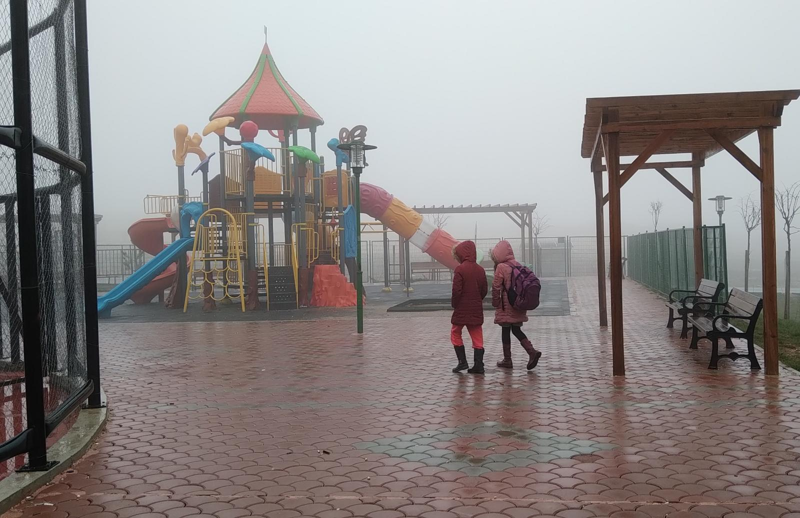 Yoğun sis hayatı olumsuz etkiledi