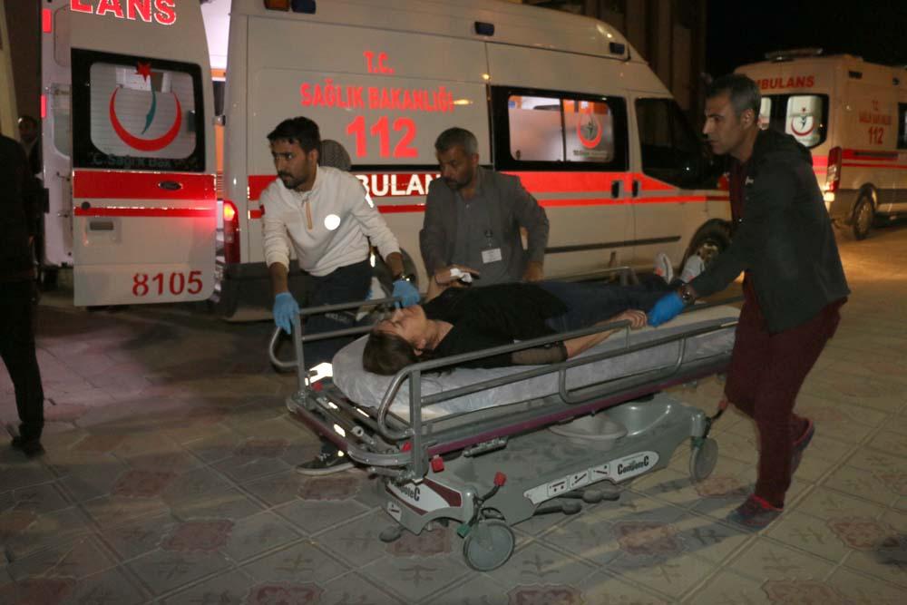 Turistleri taşıyan araç devrildi: 13 yaralının kimliği belirlendi
