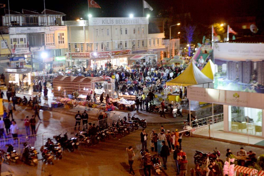 Ramazan coşkusu meydanlara taştı