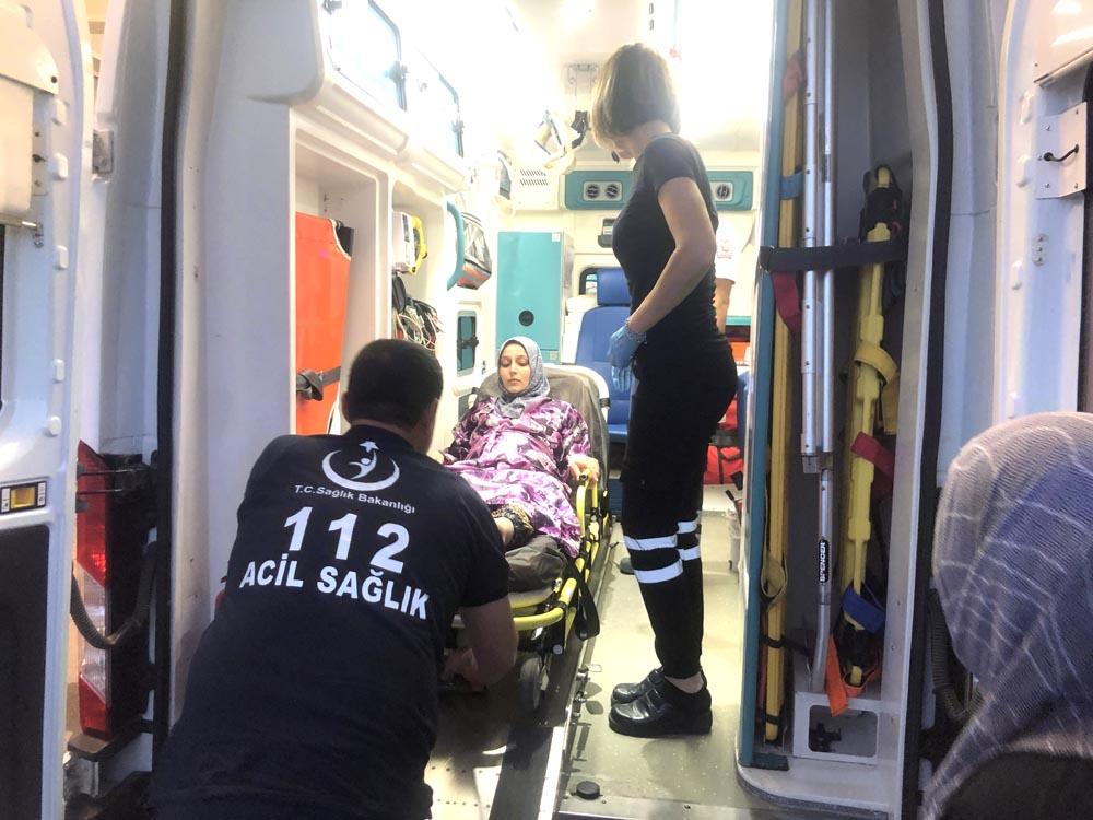 Araç şarampole devrildi: 7 yaralı