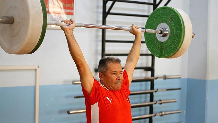 75 yaşında, hedefi dünya şampiyonluğu