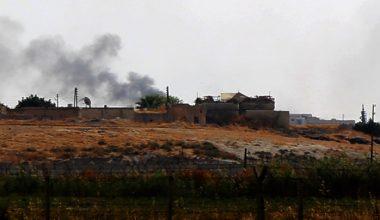 Obüsler Tel Abyad'ı Vuruyor, Akçakale Boşaltıldı