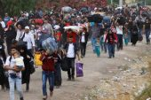 700 bin kişi Türkiye sınırına hareket etti, uluslararası kriz kapıda