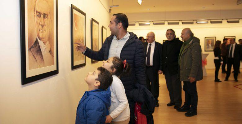 """""""Atatürk Portrelerini Görmek İçin Son 2 Gün!"""