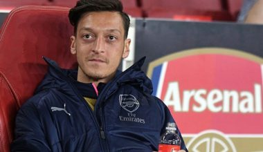 Mesut Özil Fenerbahçe'ye transfer oldu